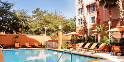 courtyard Lodging, Restaurants & Attractions