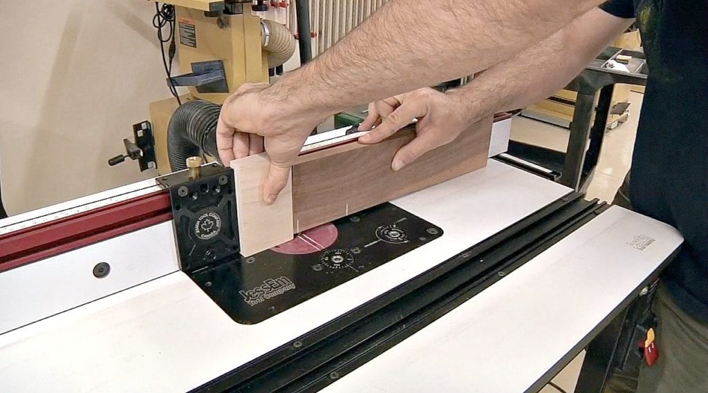 cutting mortise with a fixed router